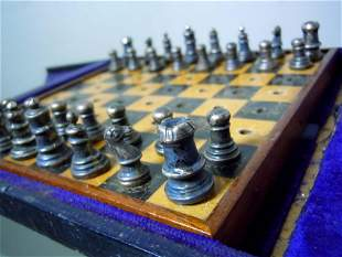 COLLINS COOK EDWARDIAN STERLING SILVER TRAVEL CHESS SET