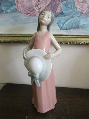 LLADRO PORCELAIN FIGURINE 5008 DREAMER GIRL PINK HAT