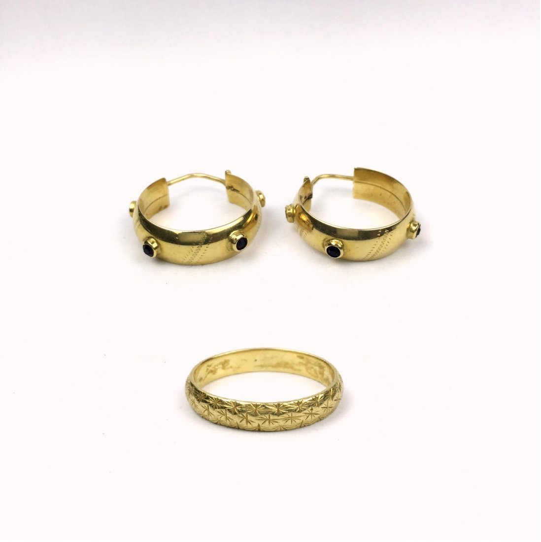 THREE PIECES IN 18K YELLOW GOLD