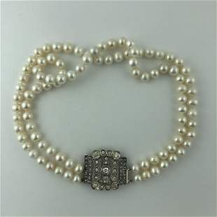 Two strands pearls necklace
