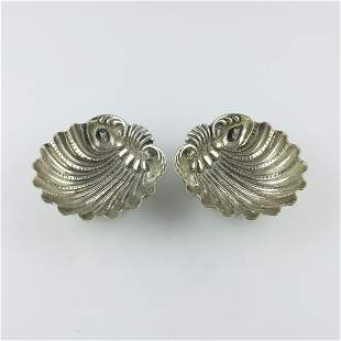 Pair of Italian silver 800 decorative shells