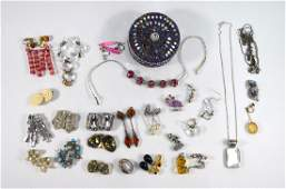 A collection of antique, vintage and later jewellery
