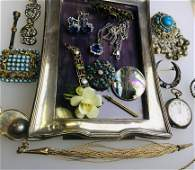 A collection of antique and later jewellery items
