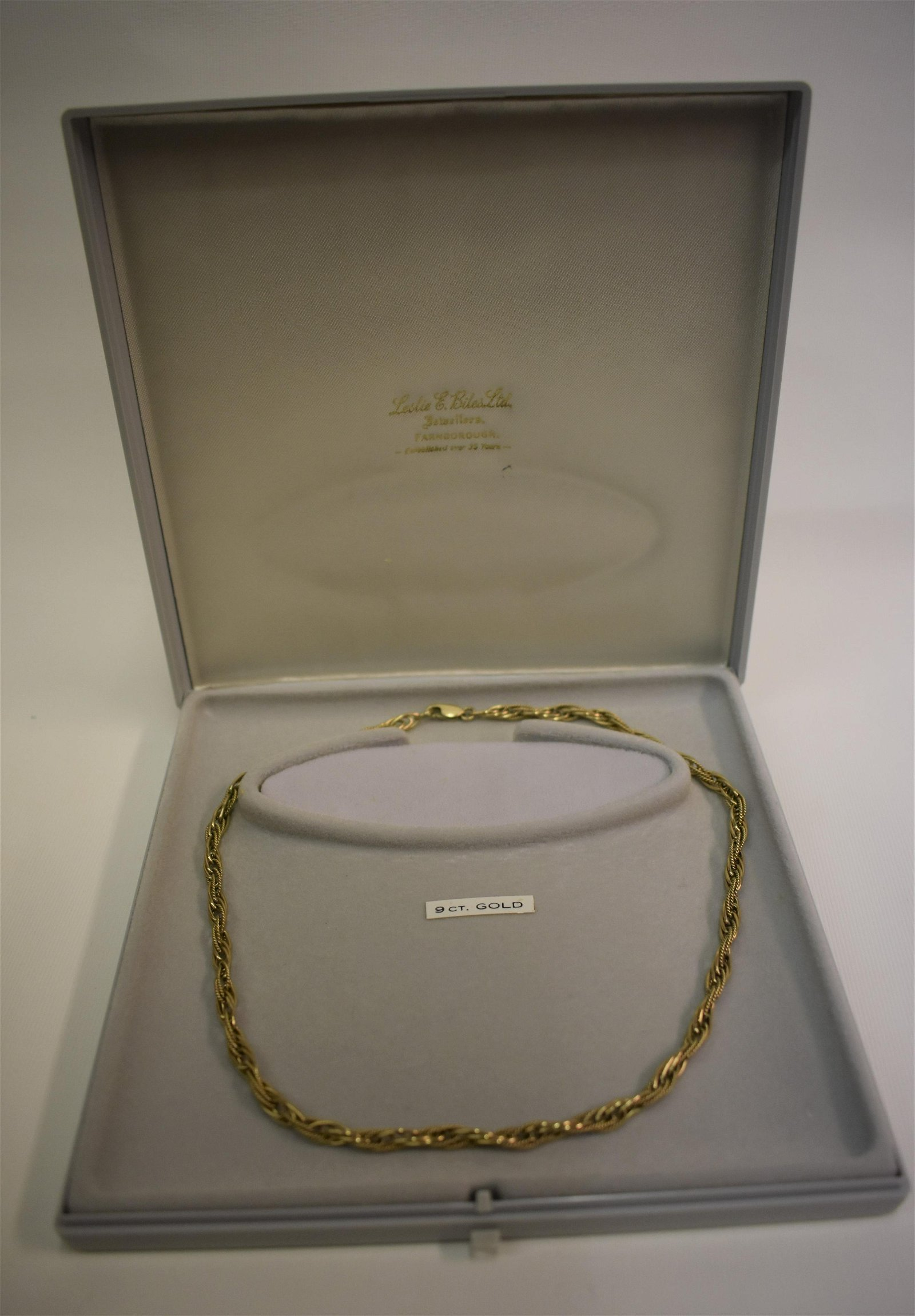 A 9ct yellow gold fancy link necklace