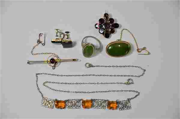 A small collection of antique and later jewellery