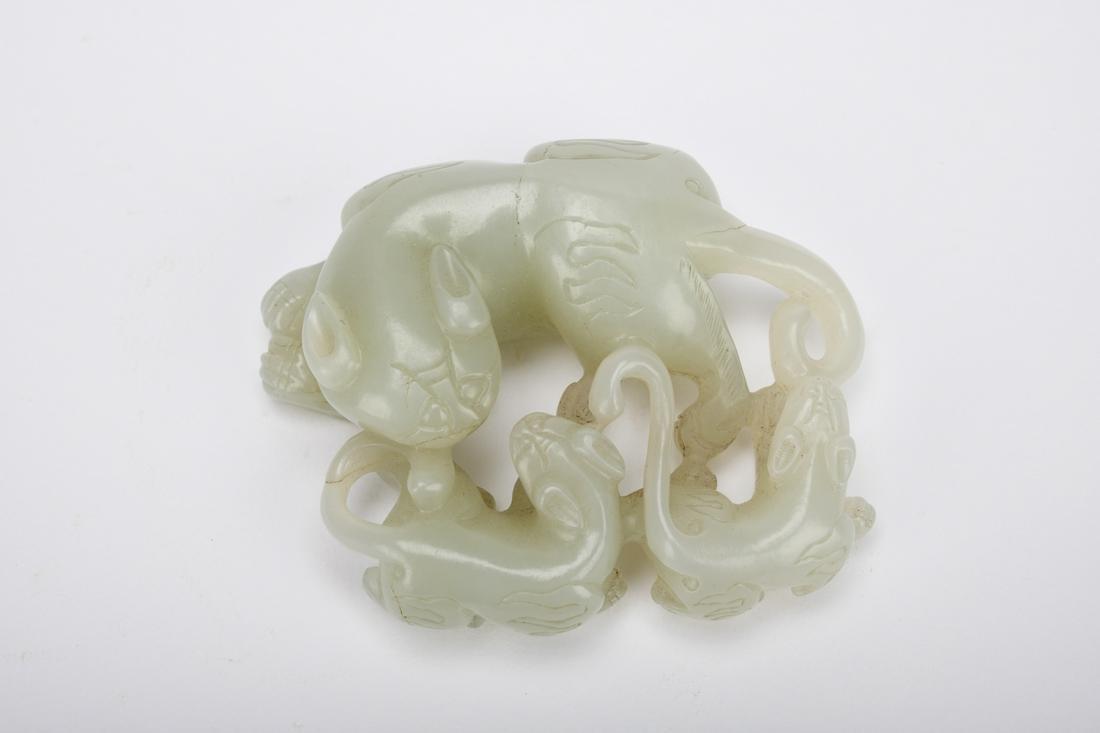 Chinese Qing Dynasty Hetian Jade Beast Ornament