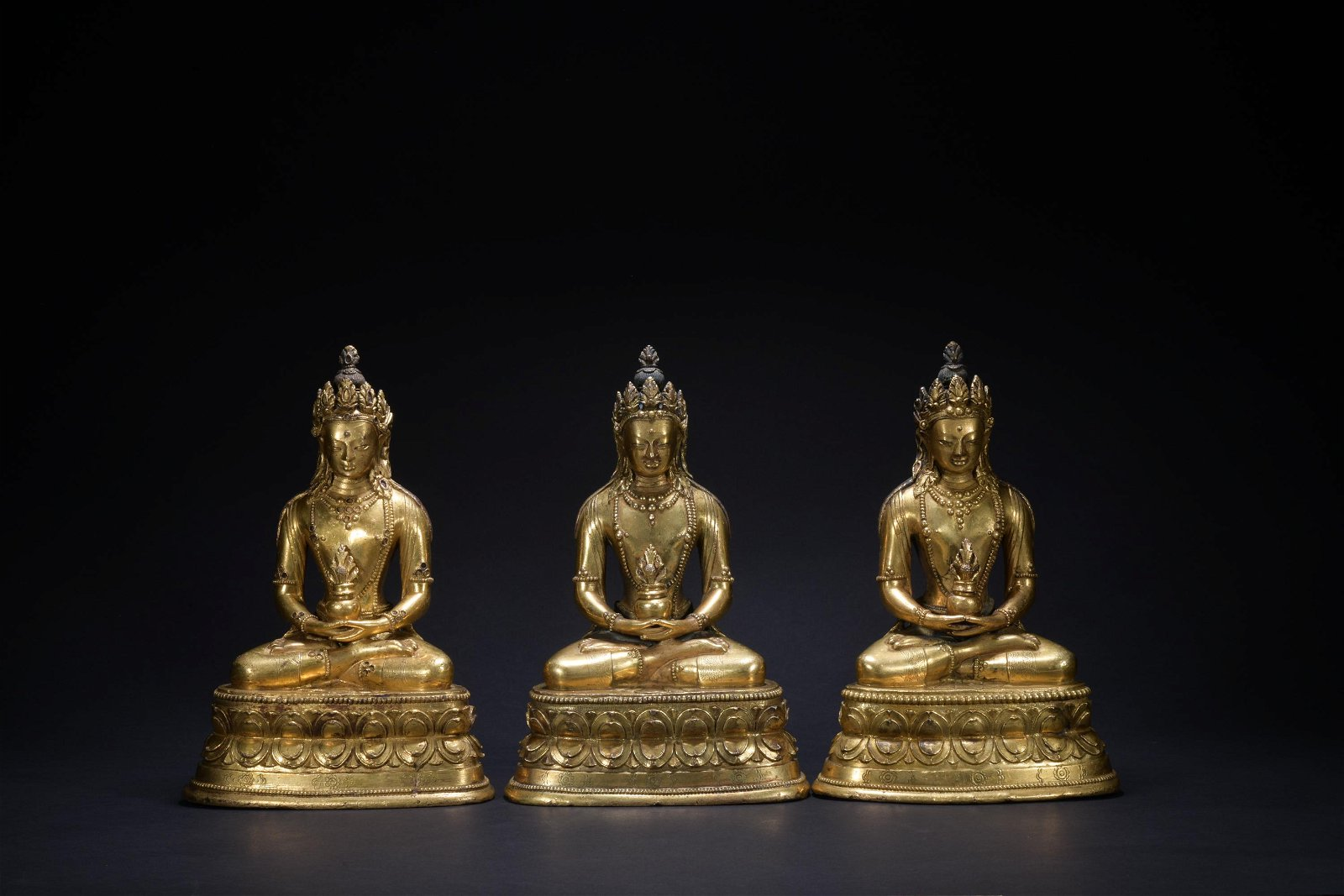 Qing dynasty gilt bronze statue of the Buddha of