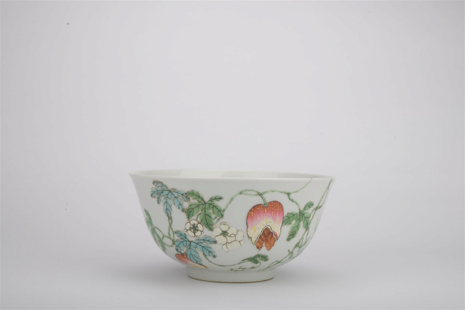 Qing dynasty Guangxu period famille rose bowl with