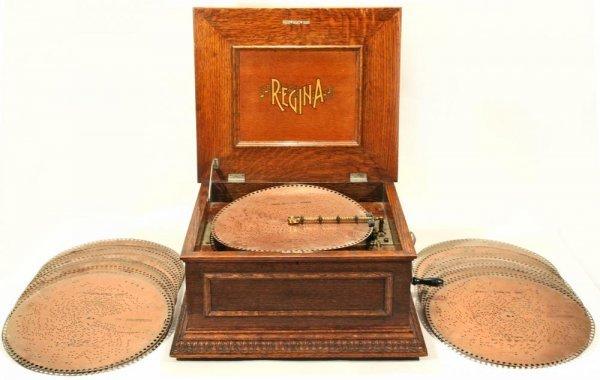 105: Regina Disk Music Box w/ 27 Discs