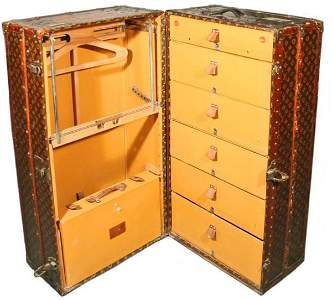 1184: Louis Vuitton C1900 Deluxe Fitted Steamer Trunk