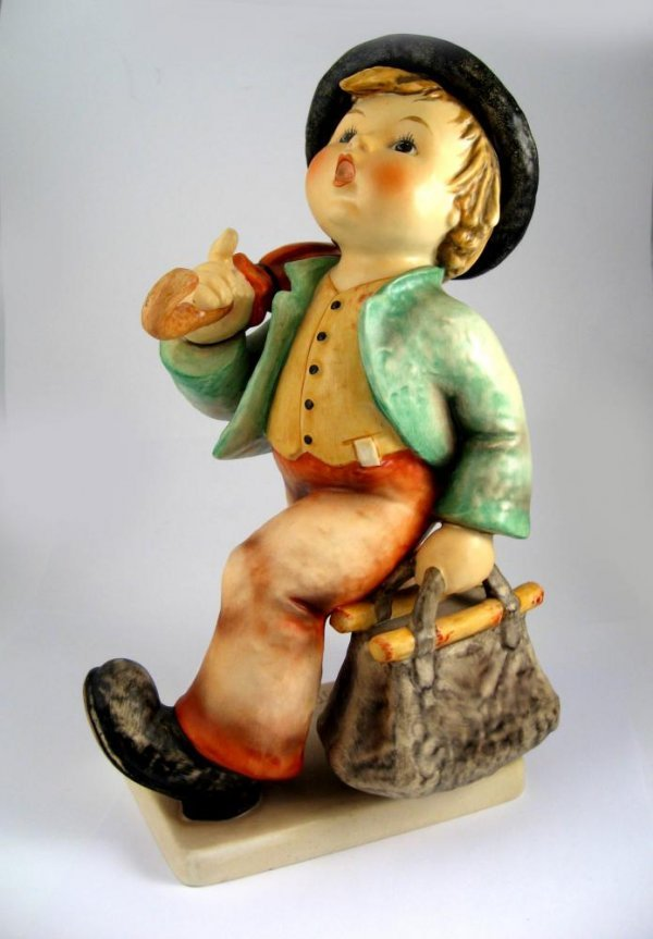 117: Goebel Hummel Merry Wanderer No. 7/III TMK5