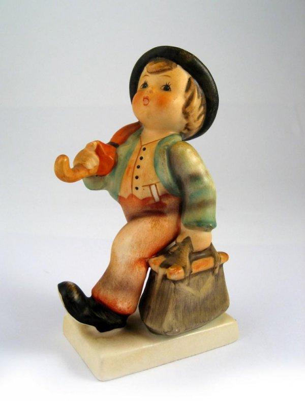 122: Goebel Hummel Merry Wanderer No. 11 2/0 TMK3