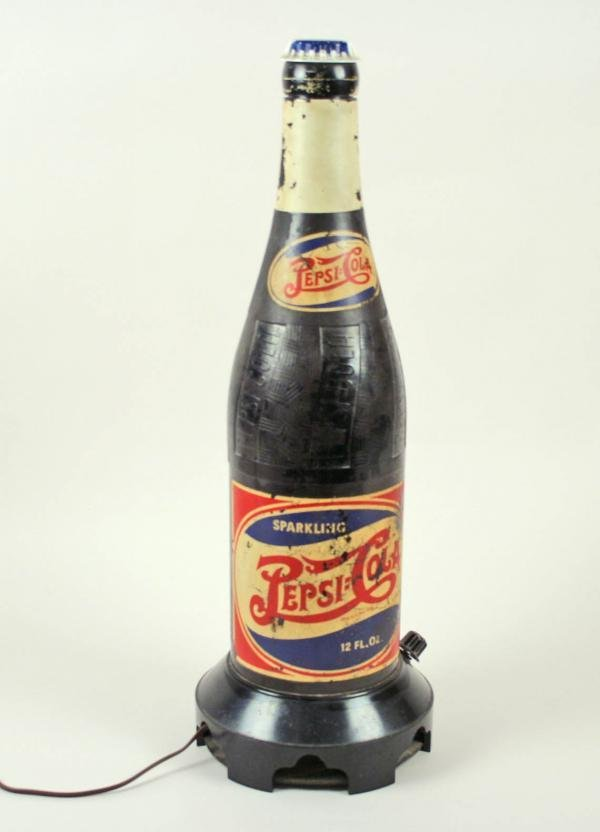 640: Pepsi-Cola Double Dot Figural Bottle Radio C1940s