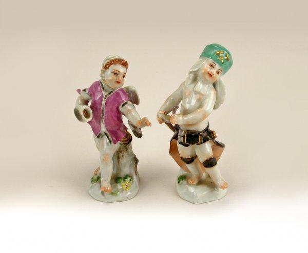 15: 2 19th-20thC Meissen Porcelain Putti Figurines