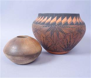 Lot of 2 American Indian Pottery Vases