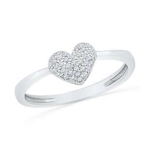 10kt White Gold Round Diamond Heart Cluster Ring 110