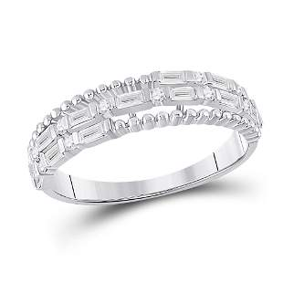 14kt White Gold Womens Baguette Diamond Fashion Band