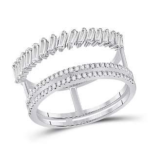 14kt White Gold Womens Baguette Round Diamond Modern