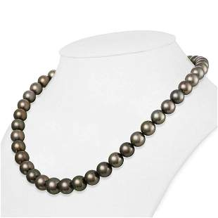 Dark Silver and Subtle Peacock Round Tahitian Pearl