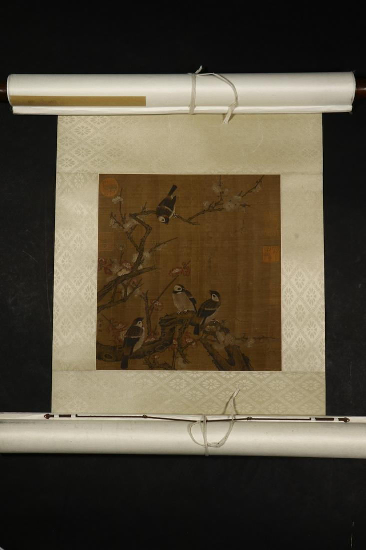 A CHINESE FLOWER AND BIRD SILK SCROLL PAINTING,