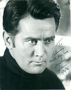 Martin Sheen 8x10 Signed black and white photograph w