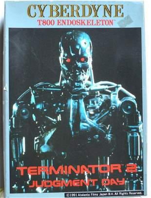 "TERMINATOR 2 ""CYBERDYNE"" PLASTIC MODEL KIT"