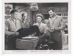 """HARRY MORGAN - 8 x 10 SIGNED PHOTOGRAPH FROM  """"GENTLE"""