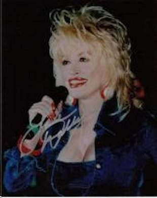 DOLLY PARTON SIGNED 8 X 10 PHOTOGRAPH