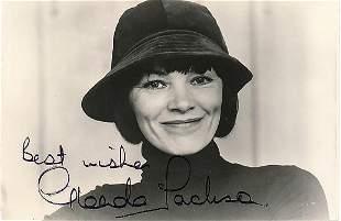 Glenda Jackson - 8 x 10 Signed Photograph w/COA