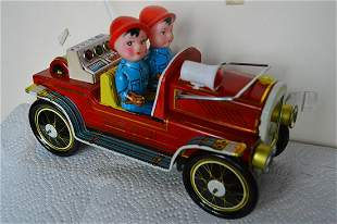 """BATTERY OPERATED """"FIRE CHIEF"""" TOY CAR"""