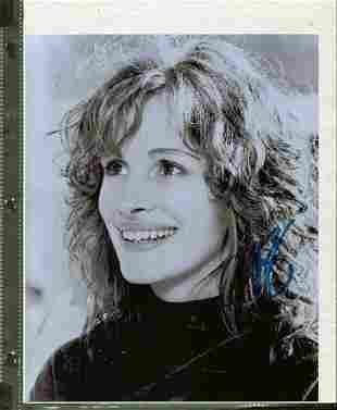 Julia Roberts - 8 x 10 Signed Photograph w/COA