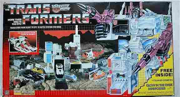 THE TRANSFORMERS METROPLEX AUTOBOT BATTLE STATION