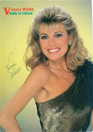 Vanna White- 7.5x11 Signed beautiful color photograph