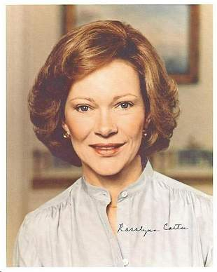 ROSALYN CARTER SIGNED 8 X 10 PHOTOGRAPH