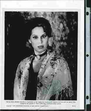 KAREN BLACK SIGNED 8 X 10 PHOTOGRAPH W/COA