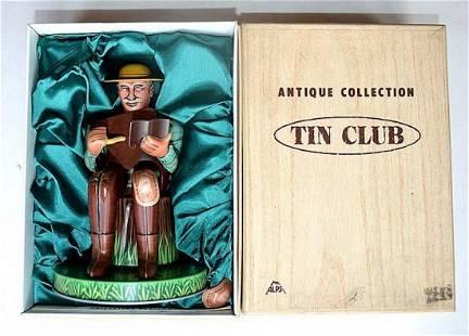 ANTIQUE COLLECTION TIN CLUB FIGURE