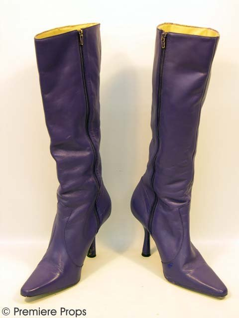 5: VIEW FROM TOP Donna (GWYNETH PALTROW) Tall Boots