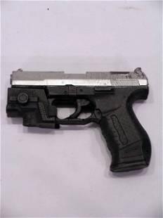 UNDERWORLD Selene's (KATE BECKINSALE) Hand Gun
