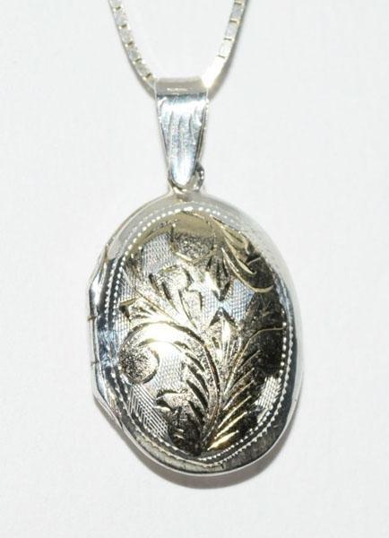 VTG Sterling Oval Locket Necklace