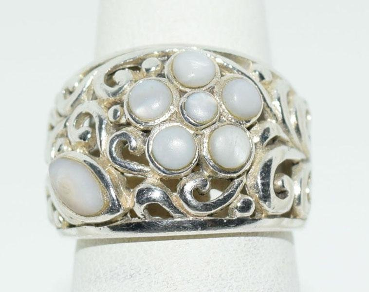 Sterling Mother of Pearl Flower Ring Sz5