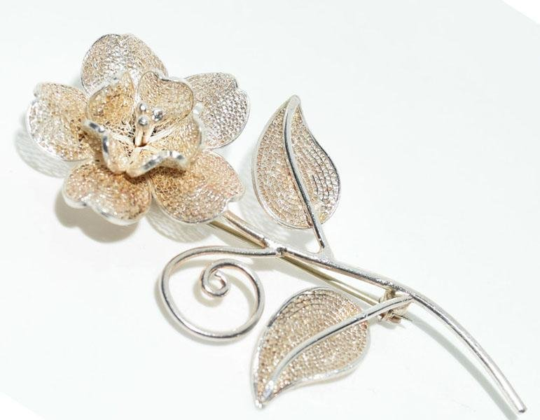 Vintage Sterling Needle Point Rose Brooch