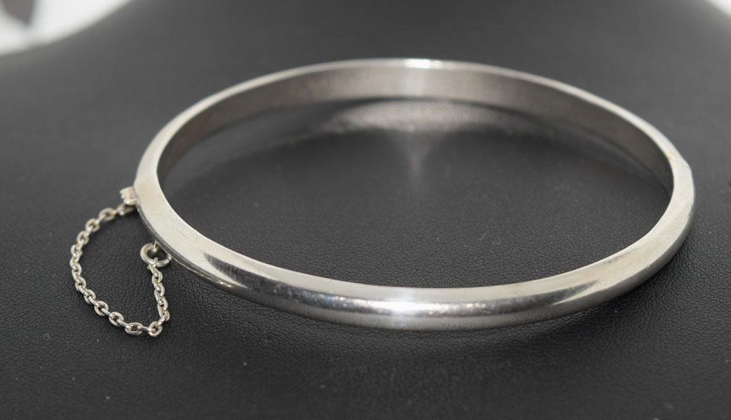 Sterling Silver Simple Dome Hinged Bangle Bracelet