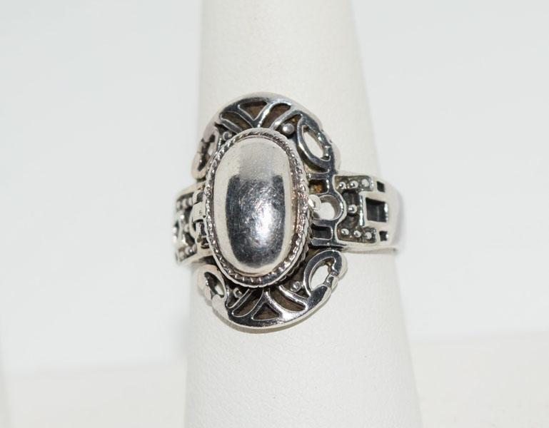 Vintage Sterling Oval Poison Ring Sz8.75