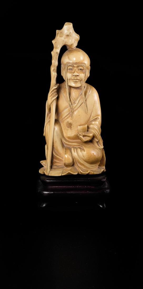 Figura di saggio in avorio, manifattura giapponese,