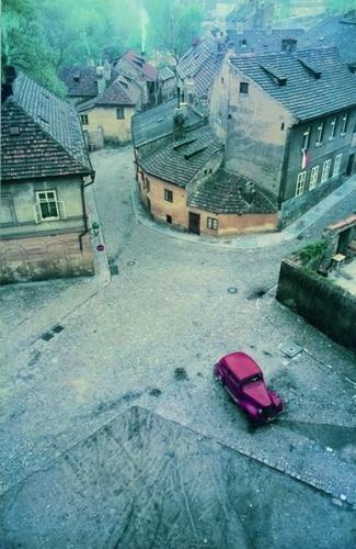 "9: Franco Fontana (1933) ""Praga"" 1967"