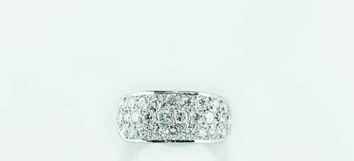 402: Anello firmato Cartier fascia in oro bianco e bril