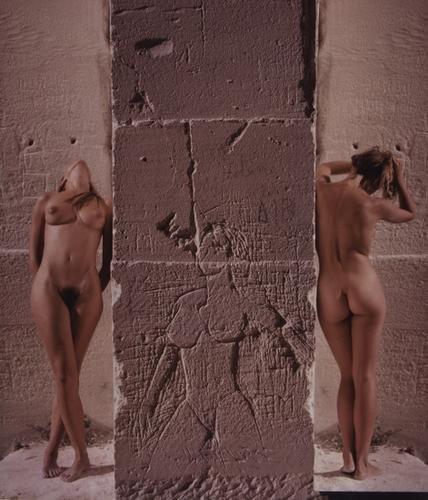 21: Franco Fontana (b. 1933) Nudi con graffito, Cave d