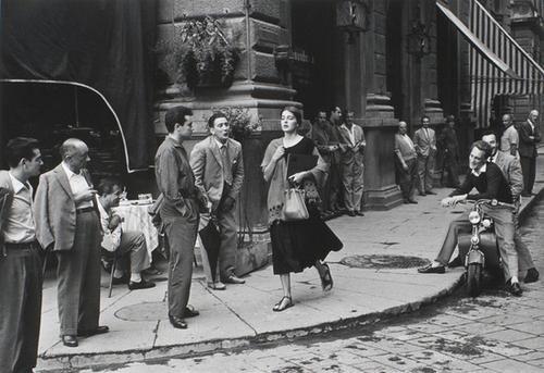 300: Ruth Orkin (1921 - 1985) American girl in Italy, F