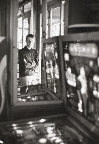 317: Jean-Loup Sieff (1933 - 2000) Man fashion, pour Ja