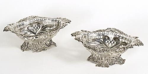 2: Coppia di piccoli cestini portaconfetti in argento